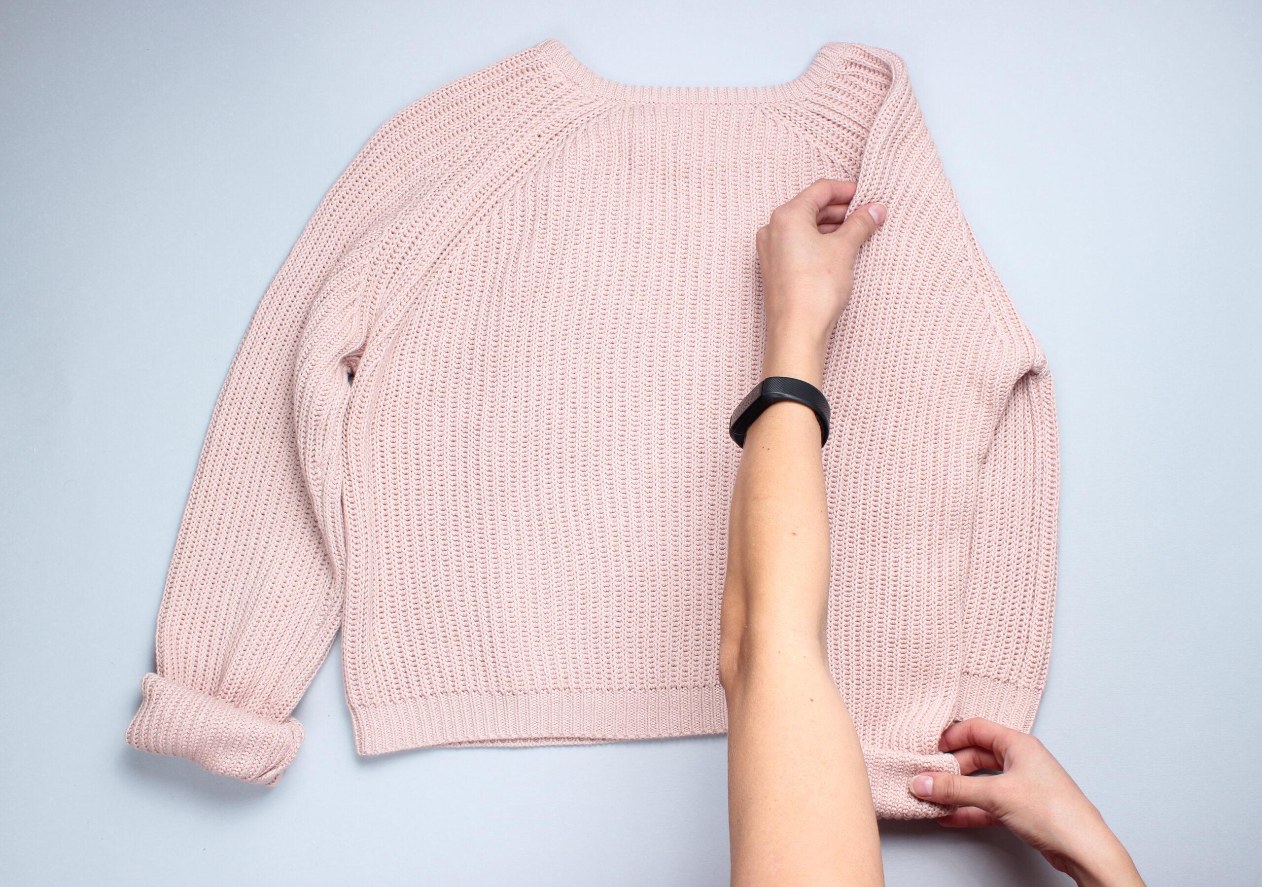 衣替えの季節!古着の冬ニットを上手に畳んで収納する方法